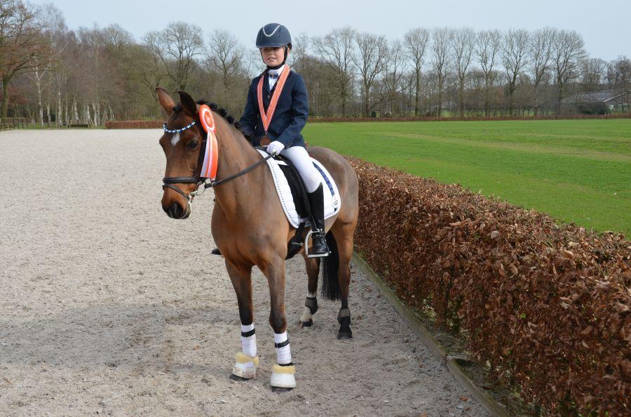 Myrne Lutters 3e op Nederlandse kampioenschappen dressuur
